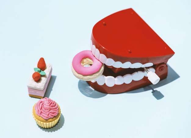 Four Foods You Should Avoid To Maintain Healthy Teeth